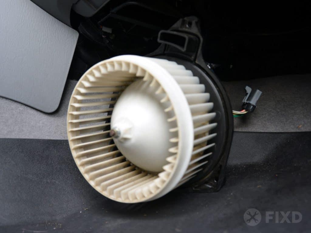 remove blower motor fan when replacing faulty blower motor resistor