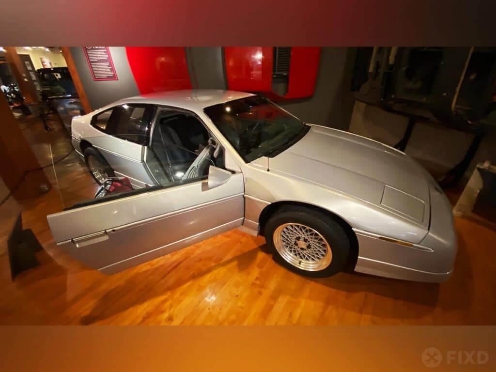 Pontiac Fiero 2+2 prototype